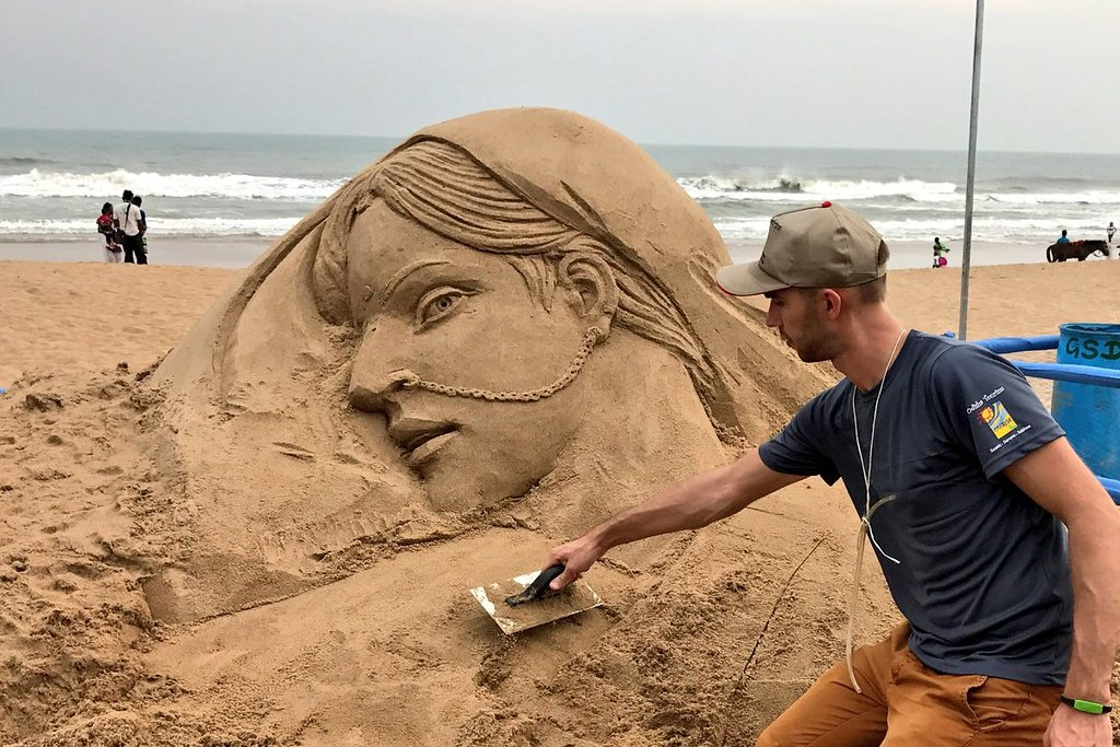 Russian sand artist at #InternationalSandArtFestival at Chandrabhaga beach in #konarak , Odisha