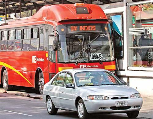 Muere joven tras cerrarse las puertas del Metrobús