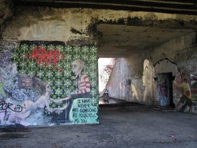Battery Steele (1942) – graffiti | Florida Av, Peaks ...