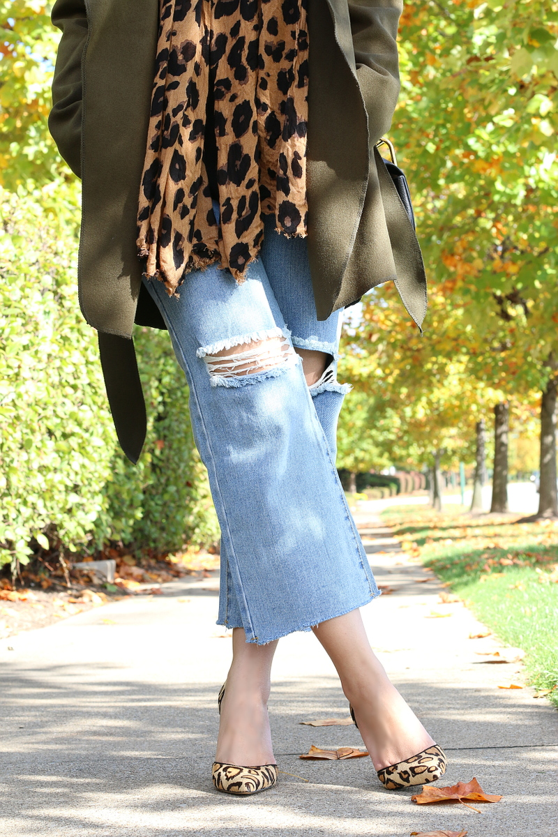 cropped-flare-jeans-leopard-pumps-8