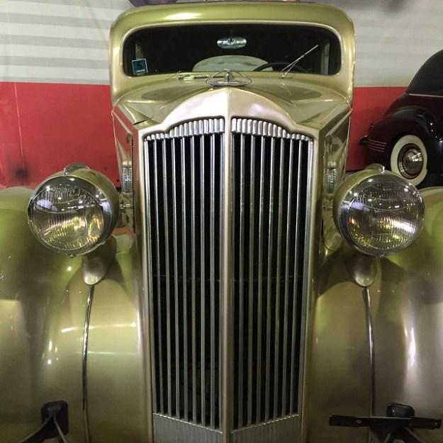 Packard 120 Touring Sedan 1936
