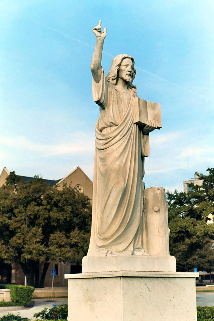 Statue Of Jesus Christ First United Methodist Church Of F