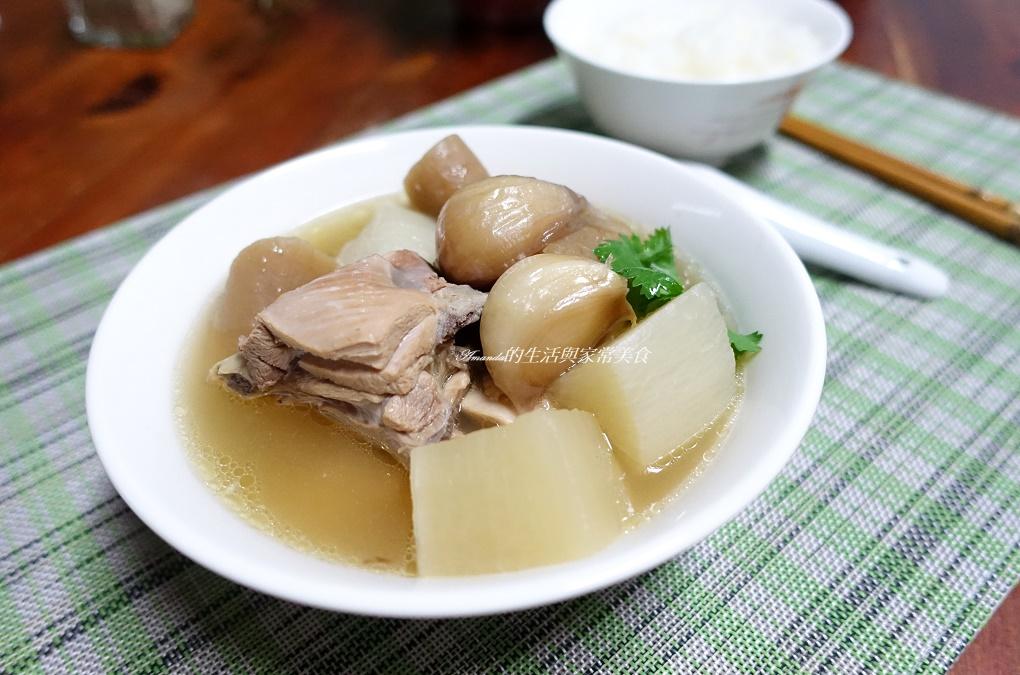 雙鮮蘿蔔蒜頭雞湯