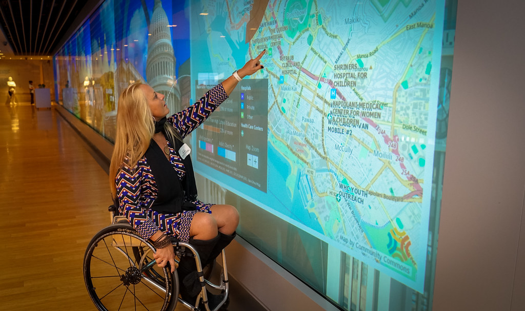 2016 11 22 Karin Korb At The Discovery Wall Center For T
