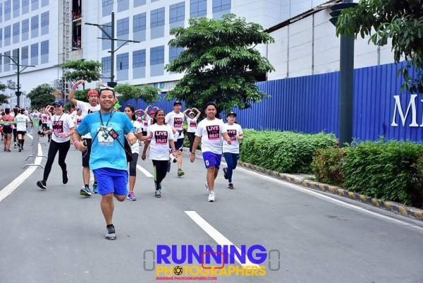 Thanks Manong RJ of Running Photographers for capturing this moment.