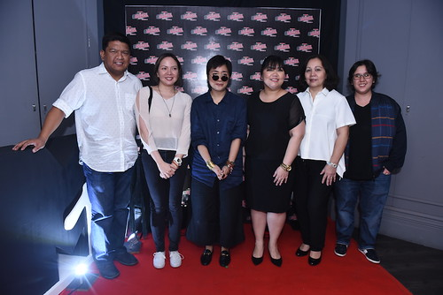 Viva Records Civ Fontanilla, JB Music's Denise Manahan, Up Dharma Down's Armi Millare, Greenwich PR, Corporate affairs and digital head Cookie Cabrera, 2.9Viva Records EVP MG Mozo and MTV's Valerie S. Del Rosario