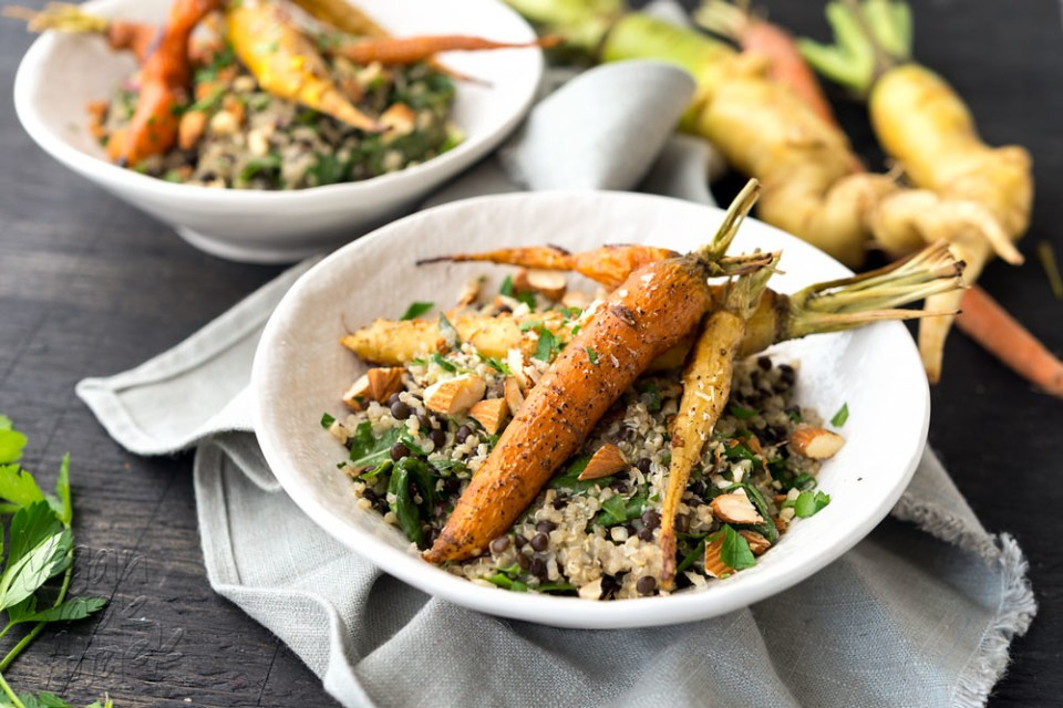 This hearty and delicious dish of Roasted Carrots & Creamy Quinoa is protein-packed and healthy! #vegan #glutenfree @Veganyackattack