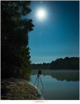 Een felle maan en een timelapse setup