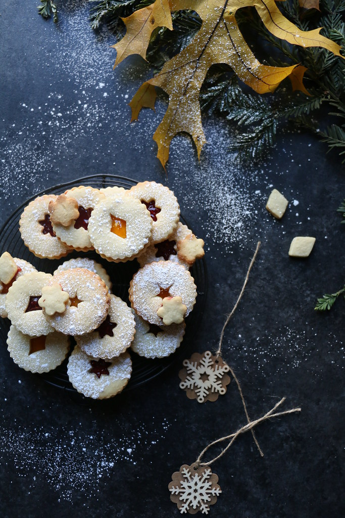 Cashew Linzer -Sandwich Cookies @foodfashionparty
