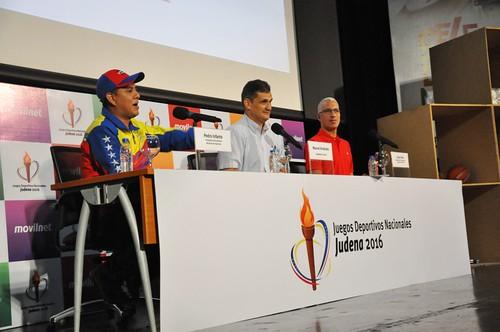El presidente del Instituto Nacional de Deportes (IND), Pedro Infante, en su alocución.