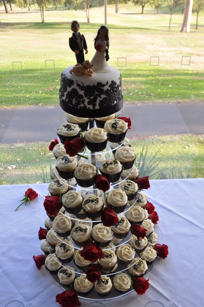 Red Black And White Wedding Cupcakes Choc Mud