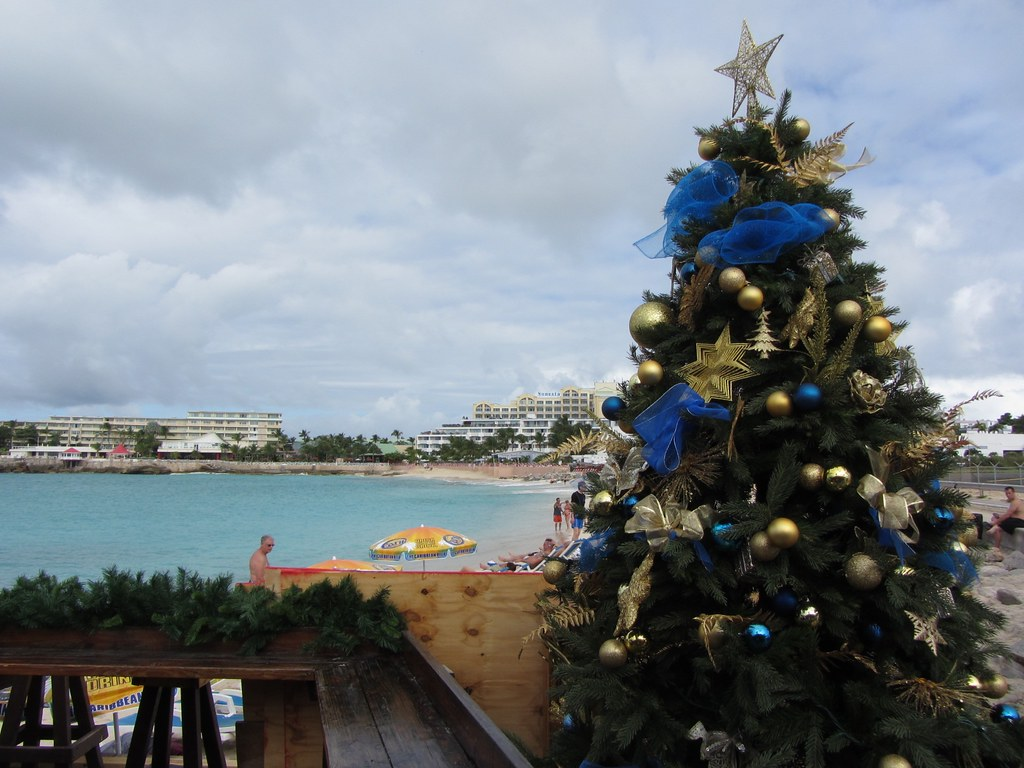 Maho Beach With Christmas Tree Richie Diesterheft Flickr