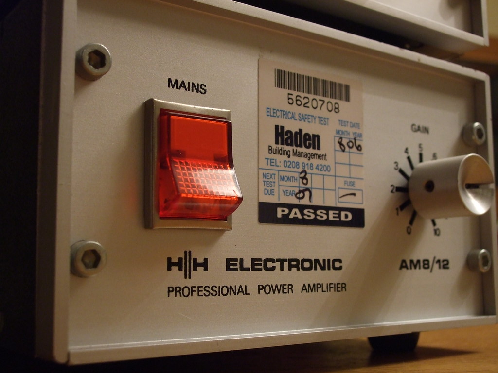 H H Electronics Am8 12 Professional Power Amplifier Design