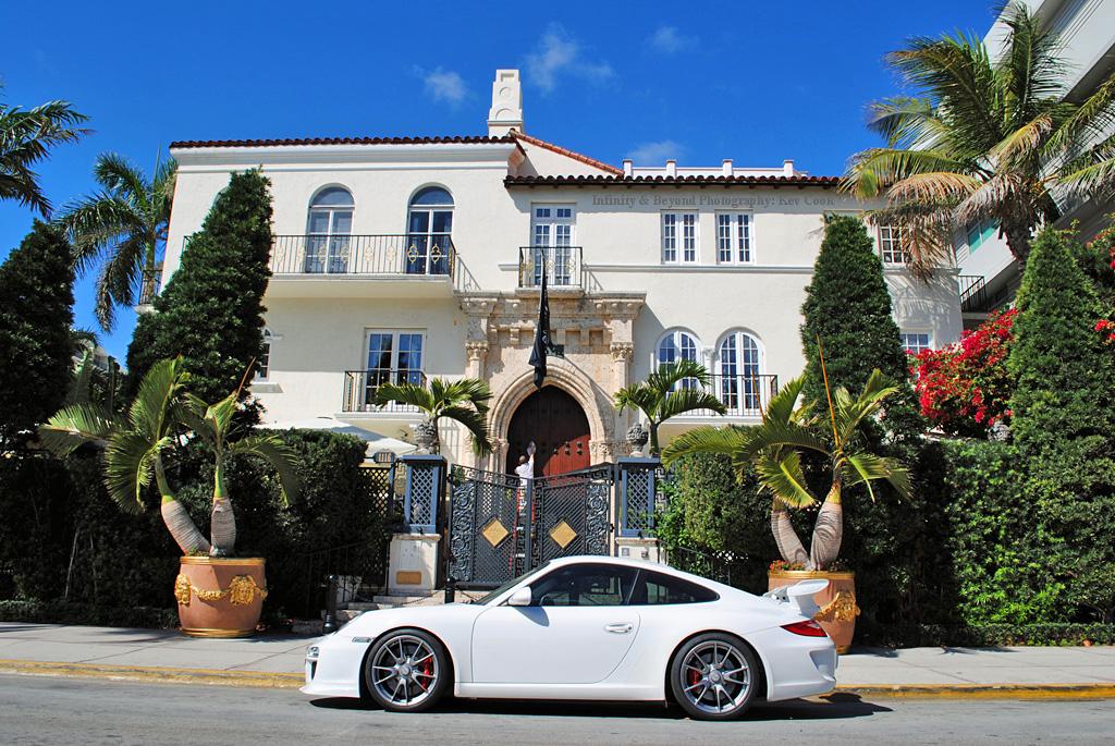 Porsche 911 GT3 Outside The Versace Mansion Casa Casuarin