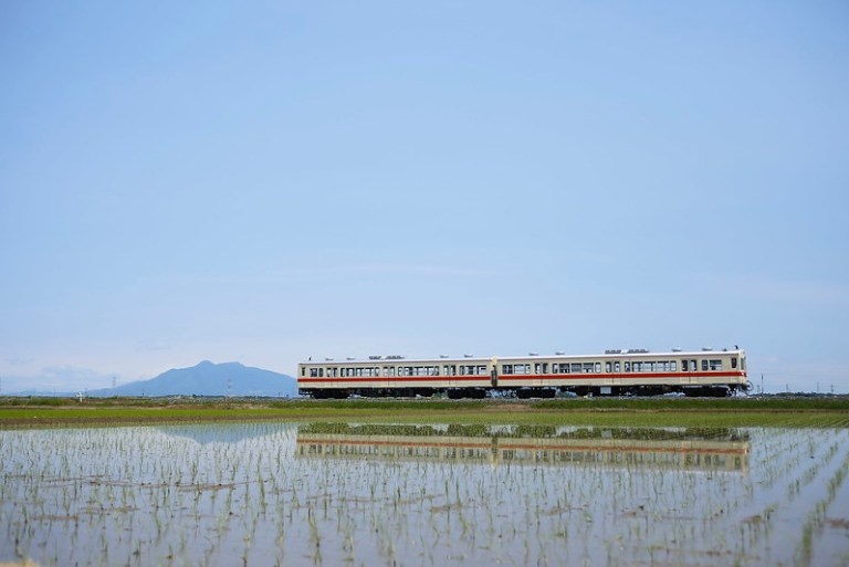 Kanto Railway DC Type 0 with Mt.Tsukuba