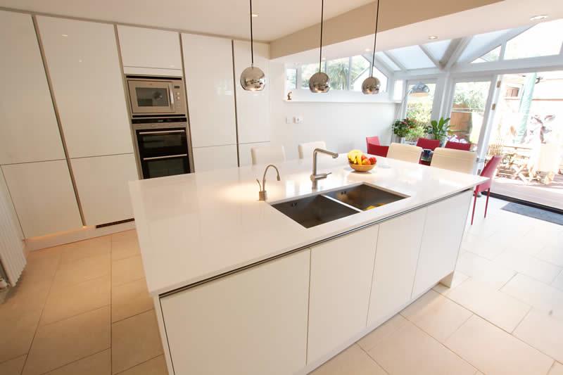 7314512514 fa4450384f b White Kitchen Sink Faucet