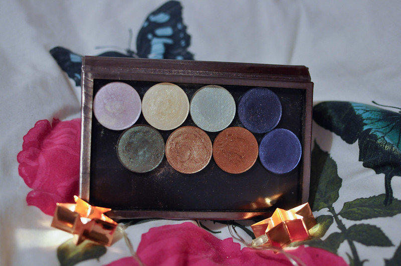 Phees Make Up Swatches Eyeshadows Highlighters