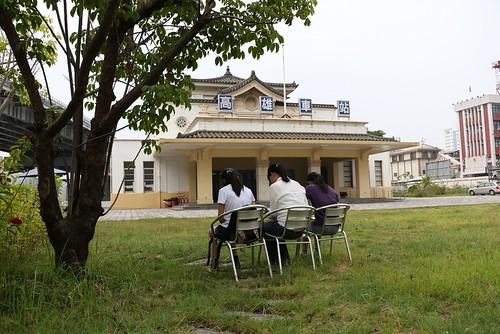 【寫生】高雄火車站:三鐵共構完成前的寧靜(11.9ys)