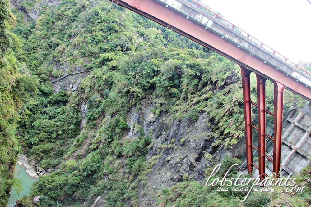 14 September 2012: Fanshuliao (Sweet Potato Hut) Bridge 番薯寥 & 'Forest of Braves' 遗勇成林 | Hualien, Taiwan