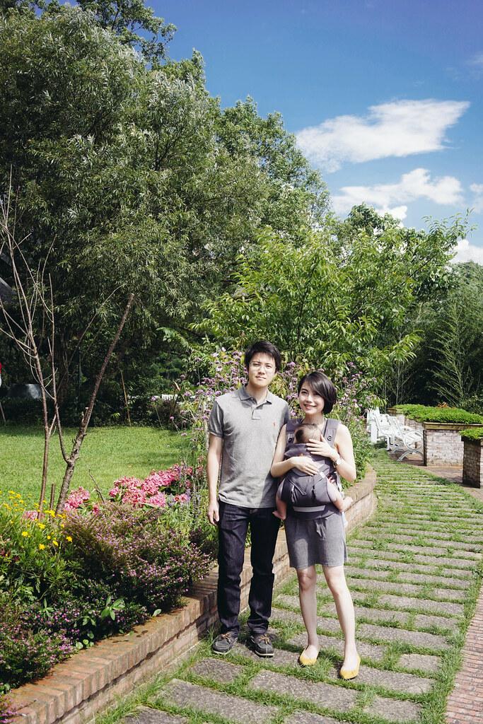 ▌Aaron去哪裡? ▌ 用背巾帶AARON趴趴走 ‧ 瑞士鄉村Tina廚房+大溪湖畔