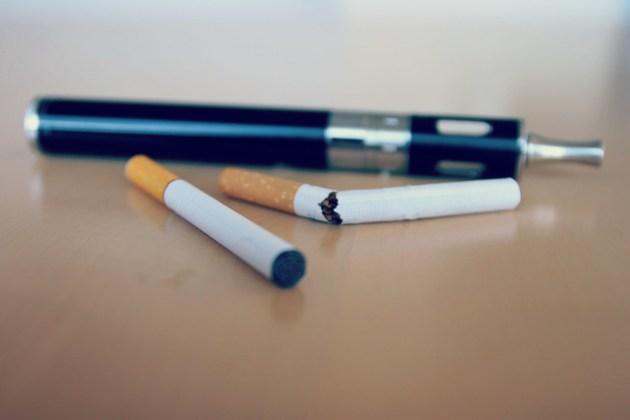 E-Cigarette/Electronic Cigarette/E-Cigs/E-Liquid/Vaping/Stop Smoking/Quit Smoking