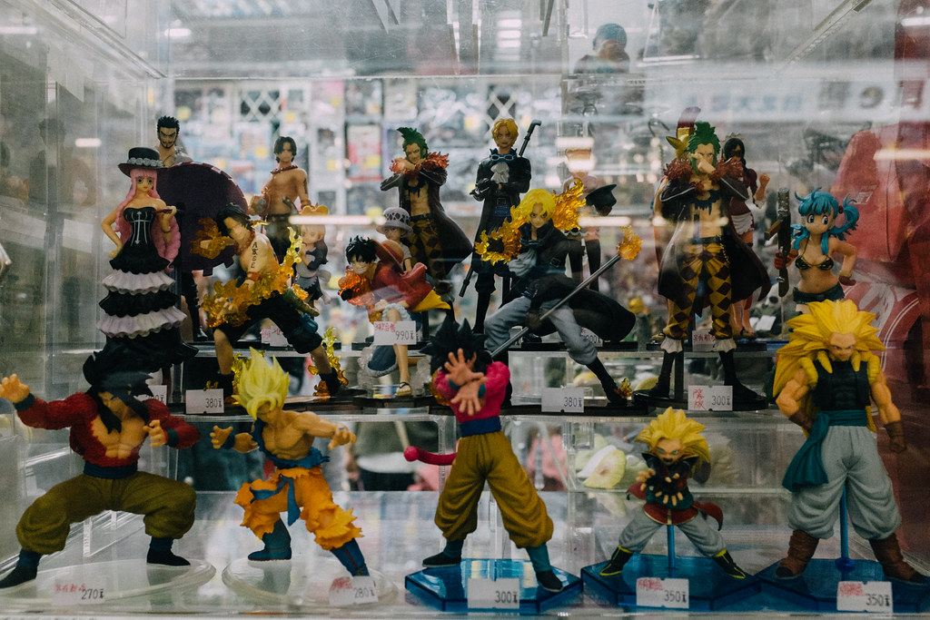 Figuras de Dragon Ball, One Piece y otros anime