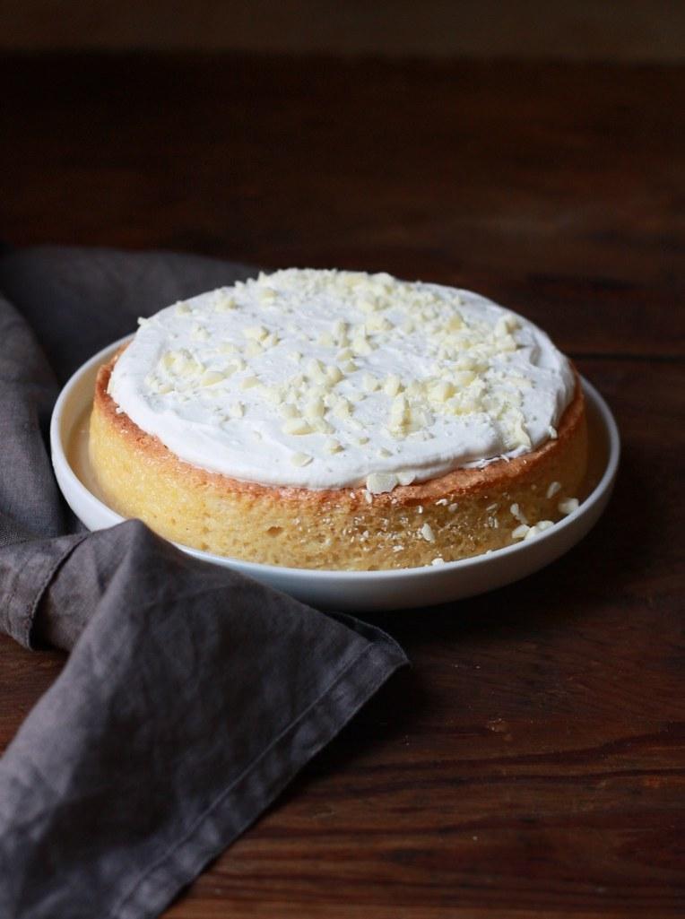 WHITE CHOCOLATE TRES LECHES CAKE |foodfashionparty|
