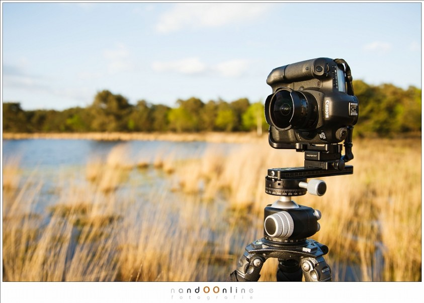 De EF 15mm f/2,8 fisheye in een panorama setup. Een klein, licht objectief met een grote lensopening.