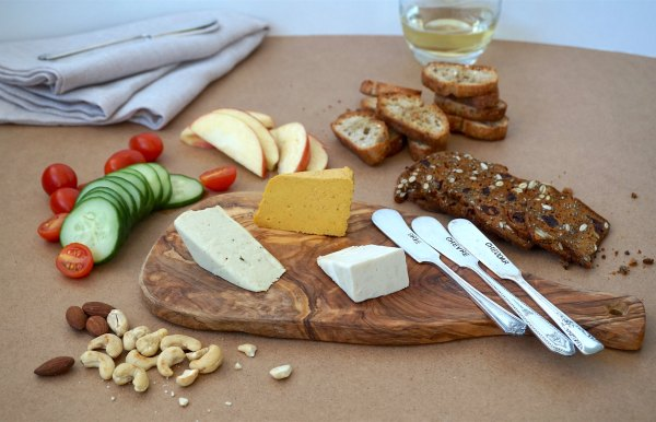Nuts For Cheese Board | thelittleredspoon.com
