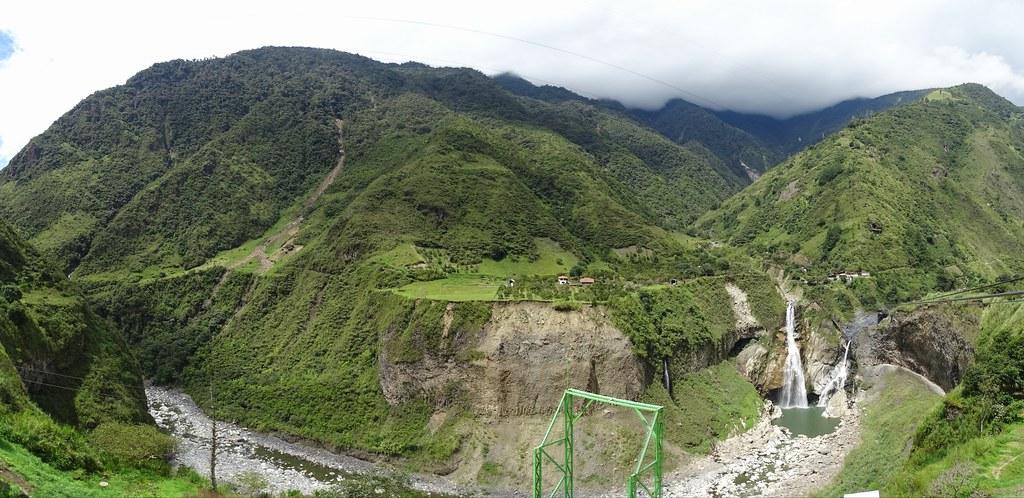 Cascada de Agoyan Baños de Agua Santa Ecuador 01