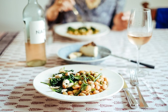 Borlotti bonen met marjolein, spinazie met ricotta al forno
