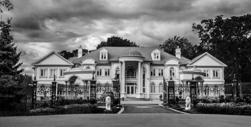 Mansion in Mississauga