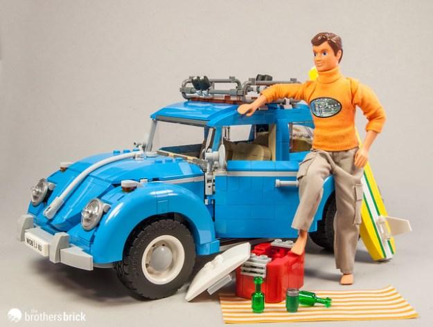 10252 Volkswagen Beetle with Scala Figure