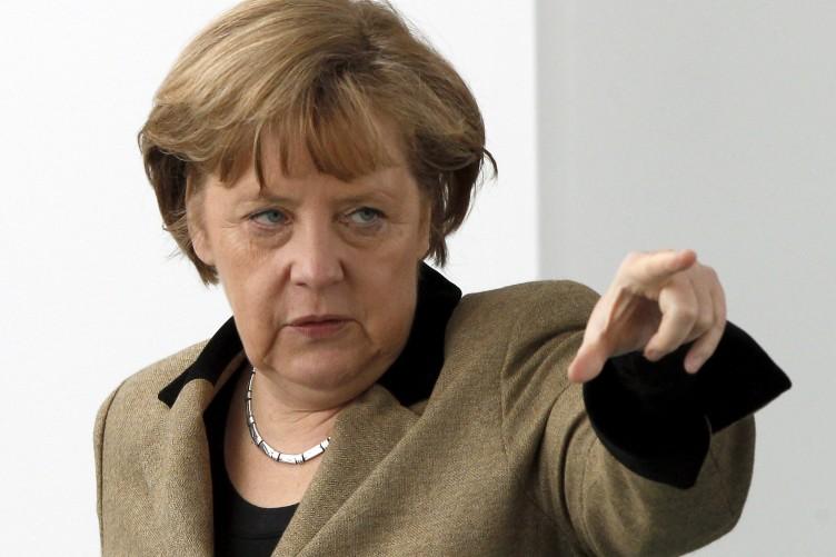 (Not) Angela Merkel won't be silenced… she's back on Twitter