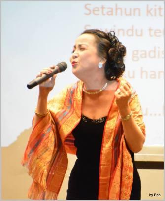Tante Cucu alias Dewi Puspa