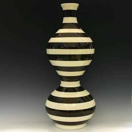 Black and white ceramic vessel by Jeff Blandford