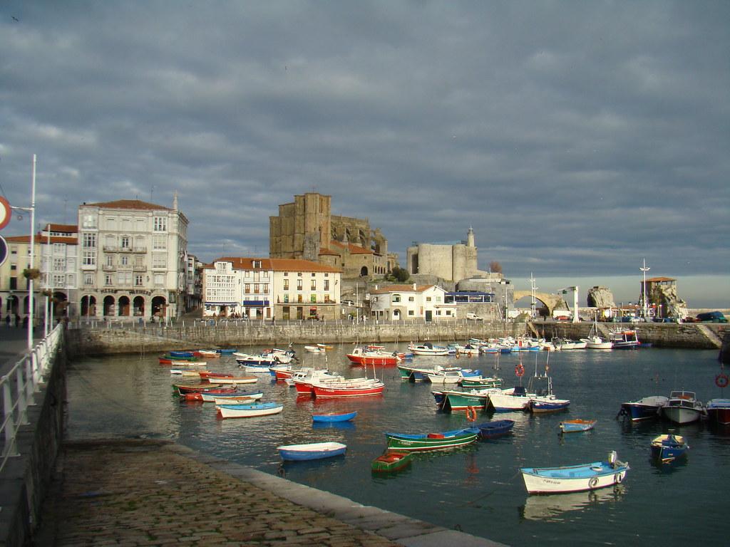 Puerto Castro Urdiales Cantabria-3