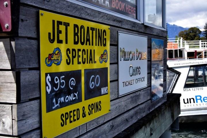 Jetboat yang kami akan naik esok
