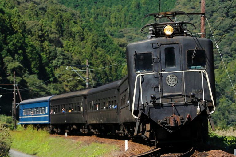 Oigawa Railway E101+Old passenger car
