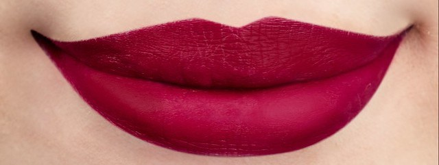 25 Snow White Lip Swatch