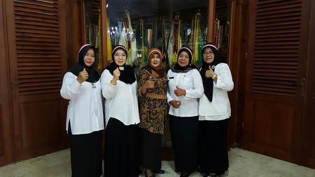 Lilik Wijayati (tengah), saat menghadiri apel hari Nusantara Bersatu(30/11)