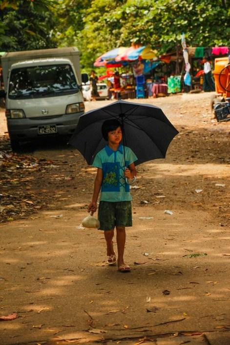 Pige i Yangon