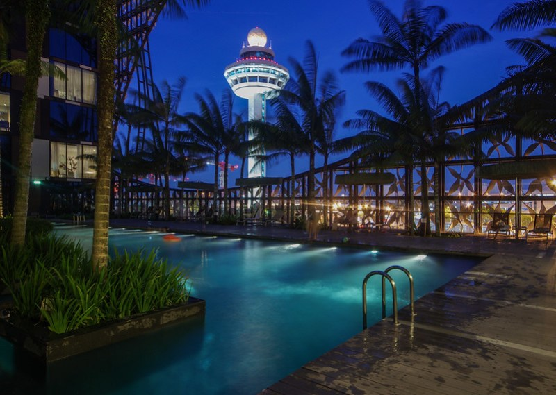 crowne plaza changi airport swimming pool