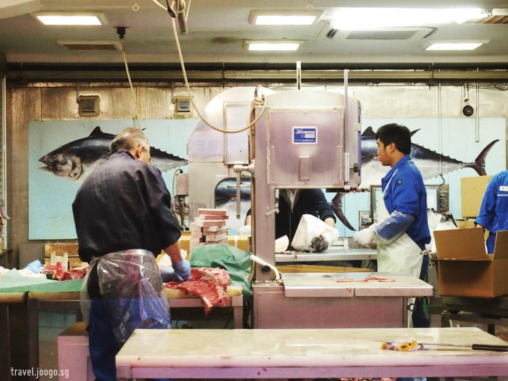 Tsukiji Fish Market 2 - travel.joogo.sg