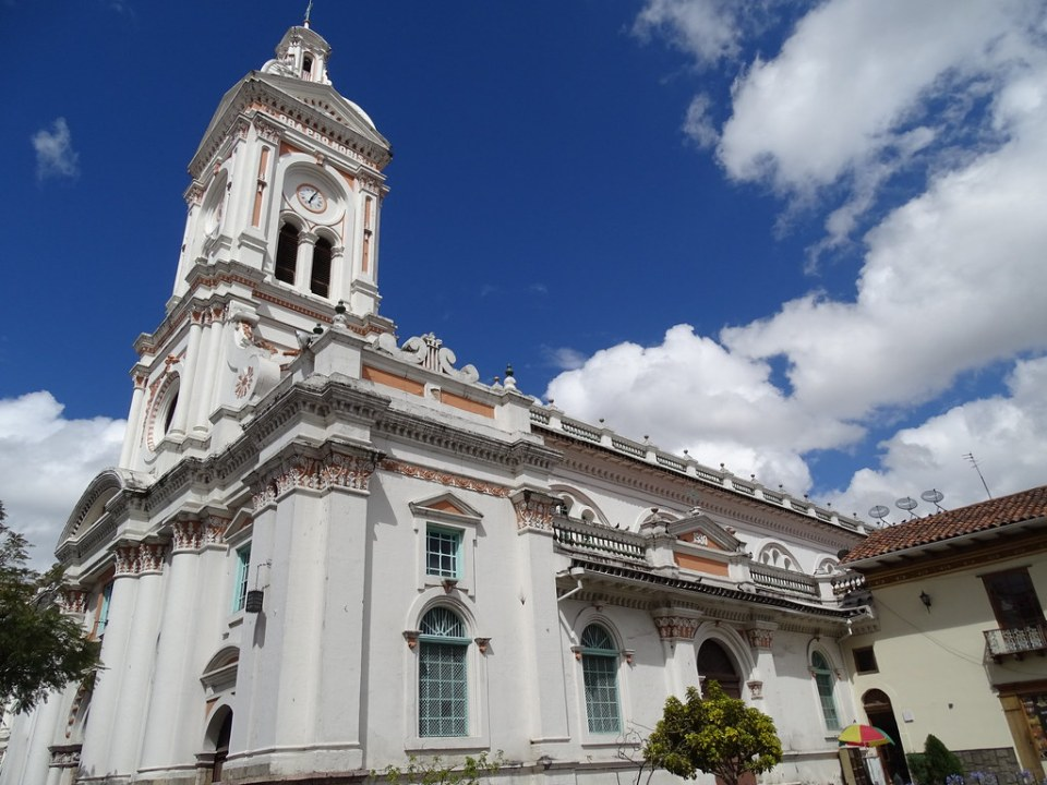 Iglesia Parroquial San Francisco Cuenca Ecuador 03