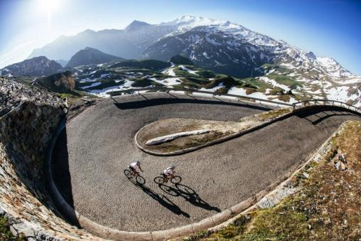 Cyclists love curves - Edelweissspitze/Grossglockner edition