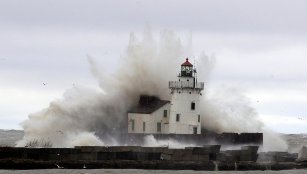 Hurricane Sandy - Lighthouse & Waves