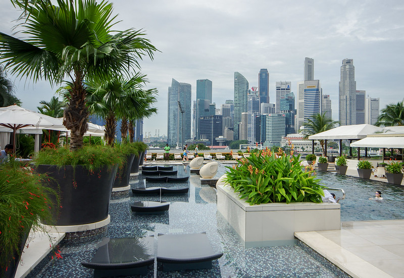 Hotel review mandarin oriental singapore marina bay - Marina mandarin singapore swimming pool ...