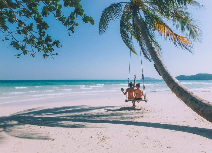 Phu Quoc Island Guide | Vietnam | Bai Sao Beach | Palm Tree Swing