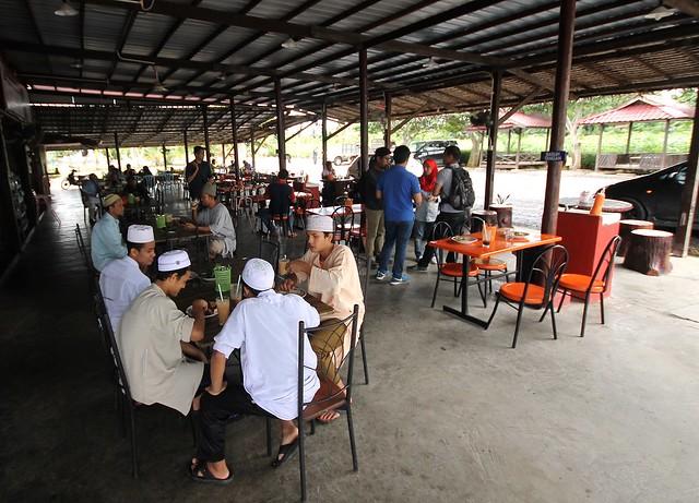 Restoran Lembah Bernam